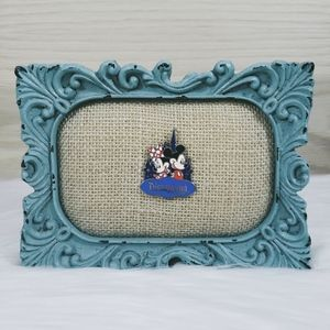 Mickey & Minnie Mouse with Castle Pin